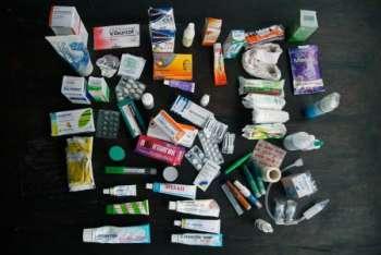 Добавки и препараты, которые стоит взять в путешествие